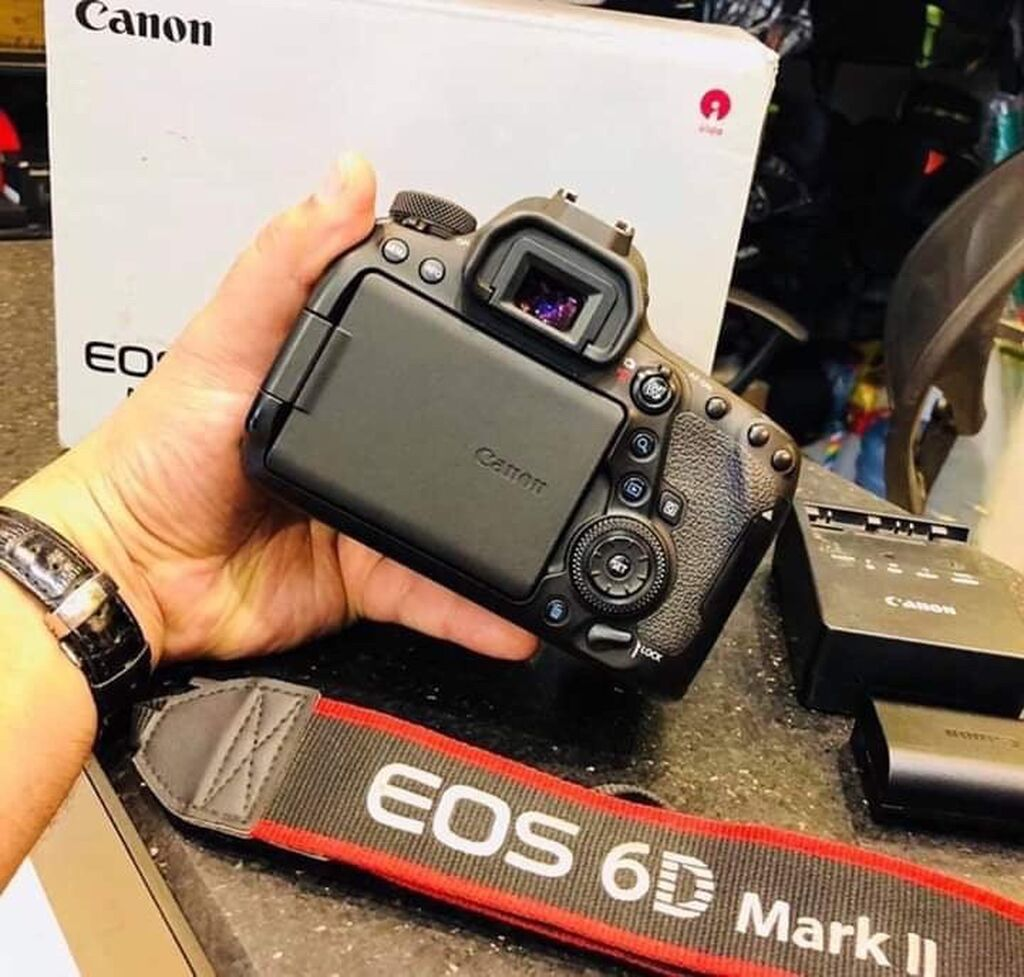 Canon 6d mark ii brand new original comes with original bill and warranty and complete accessories with dual lens