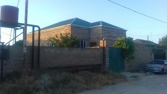 Ev satilir 2sotun içinde 3 otaq 1zal temirli ev mərkəzə yaxın. Photo 8