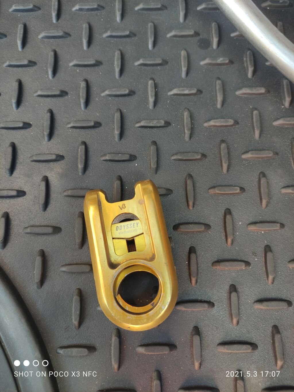 Продаю нынос оригинал на bmx.Есть ещё переднее колесо обод со фтулкой: Продаю нынос оригинал на bmx.Есть ещё переднее колесо обод со фтулкой