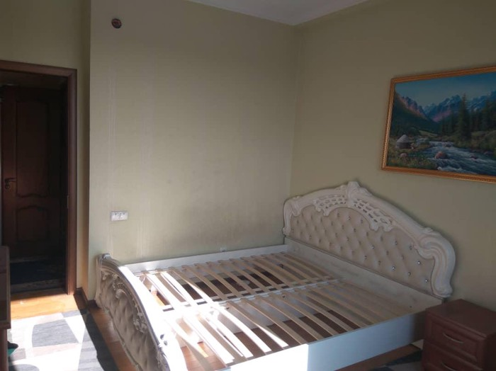 Продается квартира: 2 комнаты, 72 кв. м., Бишкек. Photo 1