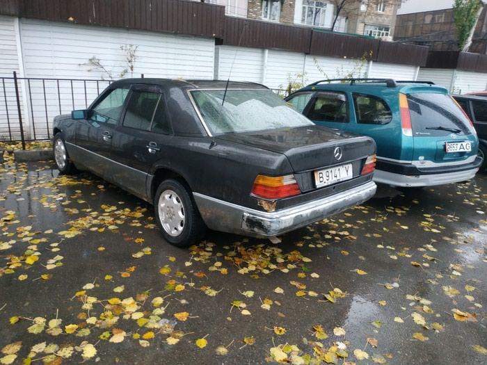 Mercedes-Benz W124 1991. Photo 2