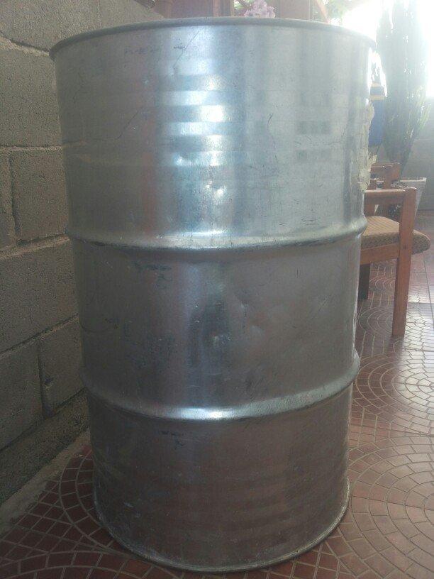 Продаю оцинкованную 200литровую бочку метал толстый в Кок-Ой