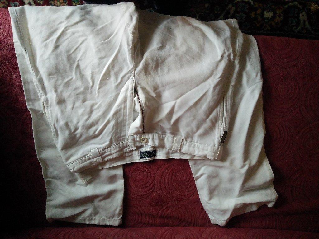 Παντελόνι ARMANI, γνήσιο, βαμβάκι-κάναβη, made in Italy, από την προσωπική μου καρνταρόμπα, μέγεθος 48 (Ιταλία), 32 (USA)