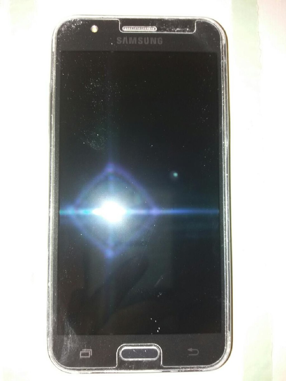 Новый Samsung Galaxy J5 8 ГБ Черный