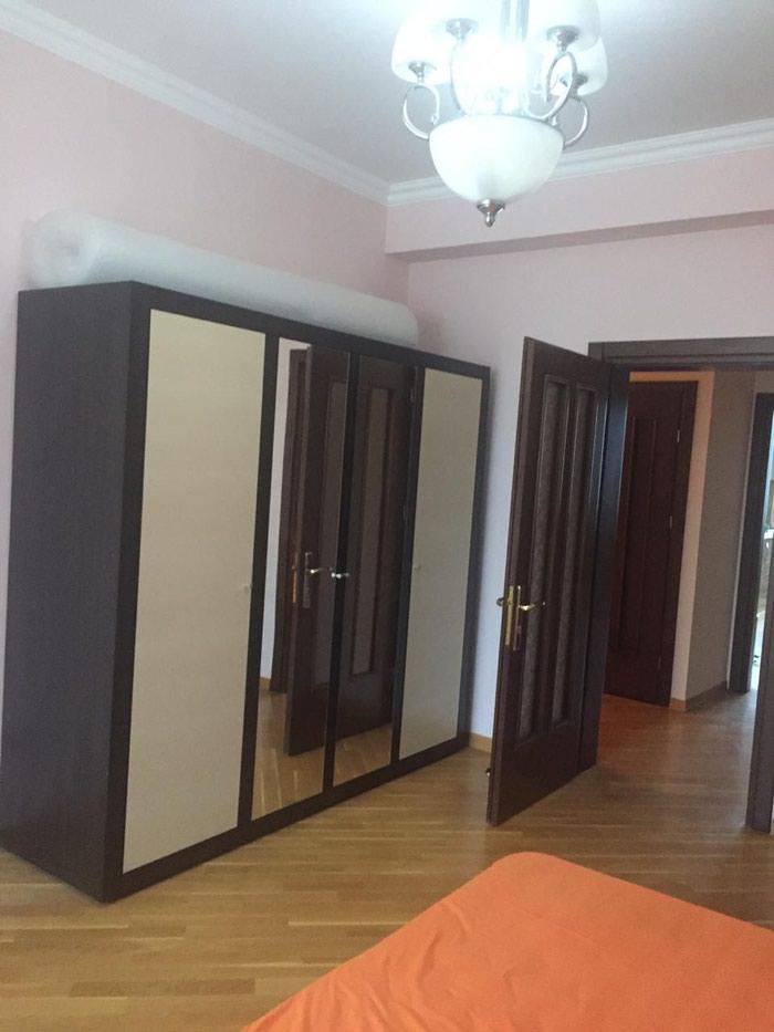 Mənzil satılır: 3 otaqlı, 156 kv. m., Bakı. Photo 5