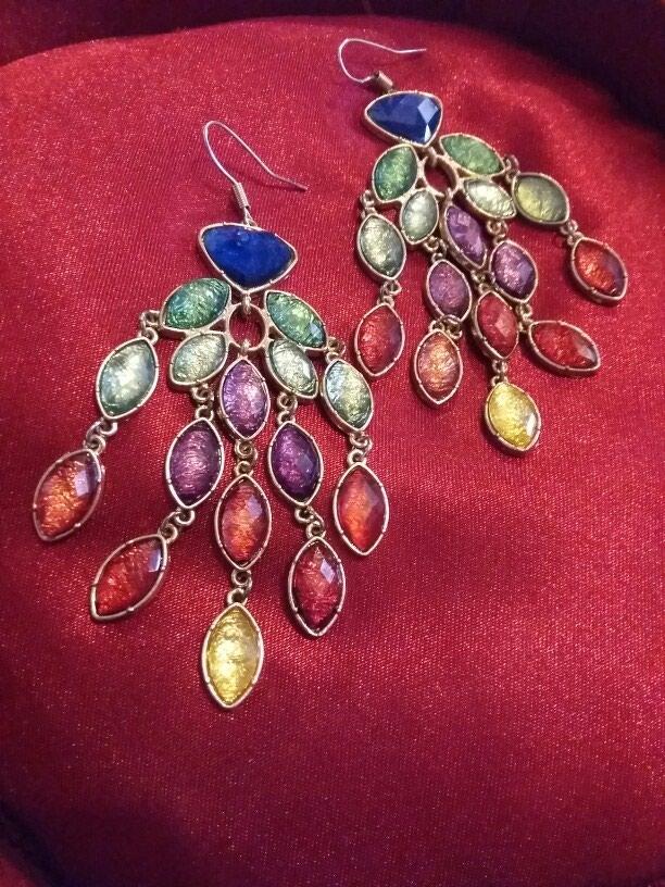 Σκουλαρίκια με χρωματιστες πέτρες hm,δωρεάν αποστολή σε Δράμα