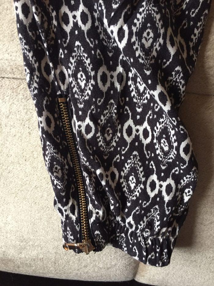 Zara pantalone neobicnog kroja, kao nove. Photo 1