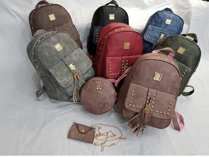 Çantalar yeni çantalar sifarişlə gəlir. Photo 1
