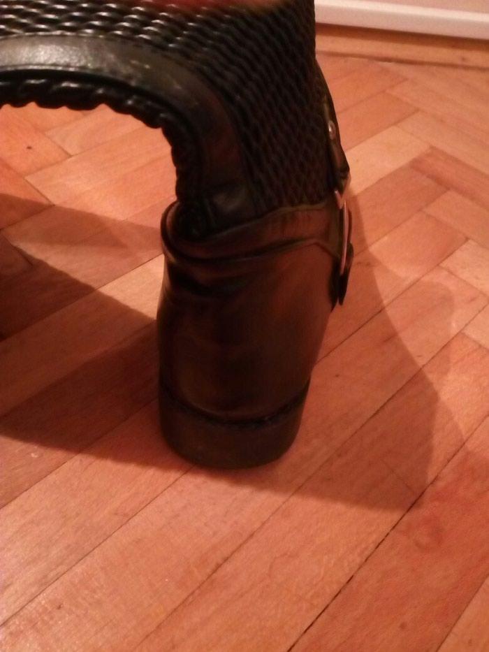 Cizme do kolena, gornji deo se prilagodjava obliku lista. Br 37. Photo 1