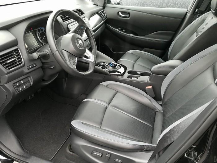 Nissan Leaf 2018. Photo 2