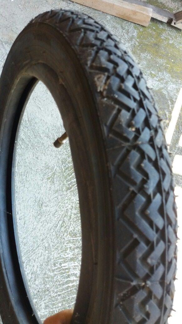 Spoljna i unutrašnja guma za motocikl. Novo povoljno.. Photo 0