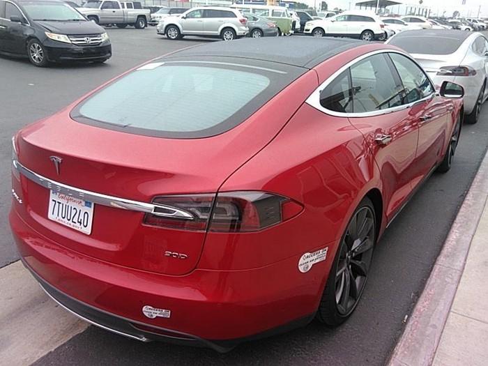 Tesla Model S 2016. Photo 1