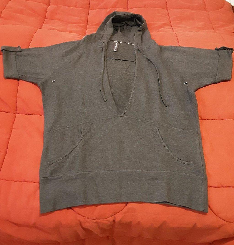 Μπλούζα με κουκούλα, κοντομάνικη, έχει επένδυση στο εσωτερικό της, size : Large, χρώμα : γκρι