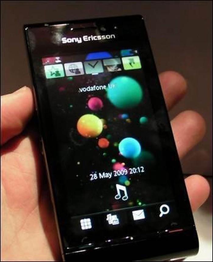 Sony Ericsson Satio 12MP, σε αριστη κατασταση, χωρις φορτιστη σε Νίκαια