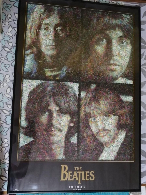 Διακοσμητικό πόστερ με τζάμι με θέμα τους Beatles.Διαστάσεις:60εκ*90εκ