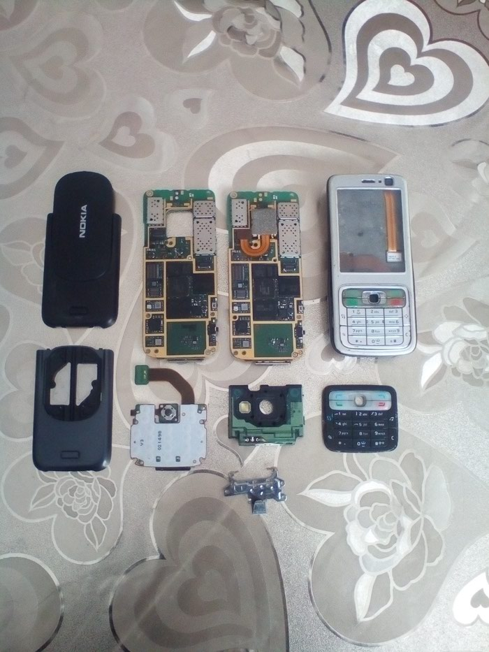 Nokia N73 ucun ehtiyat hisseleri. Hamisi bir yerde satilir.. Photo 1