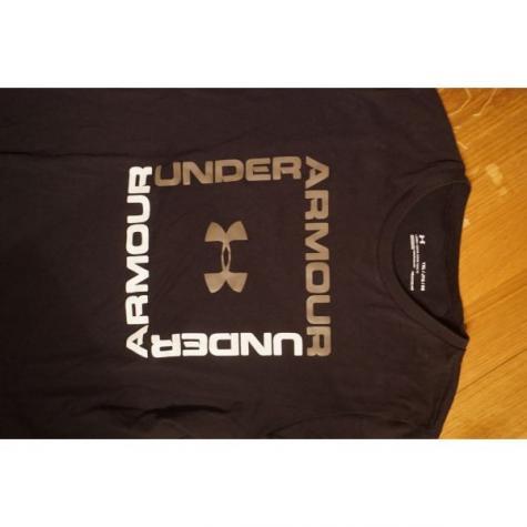 Under armour μπλουζα για 12-13χρ . Photo 1