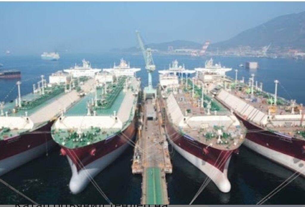 Deniz ve okenlarda uzen gemilerde ishlemek ucun matros ,matarist ve ashbazlar lazimdi
