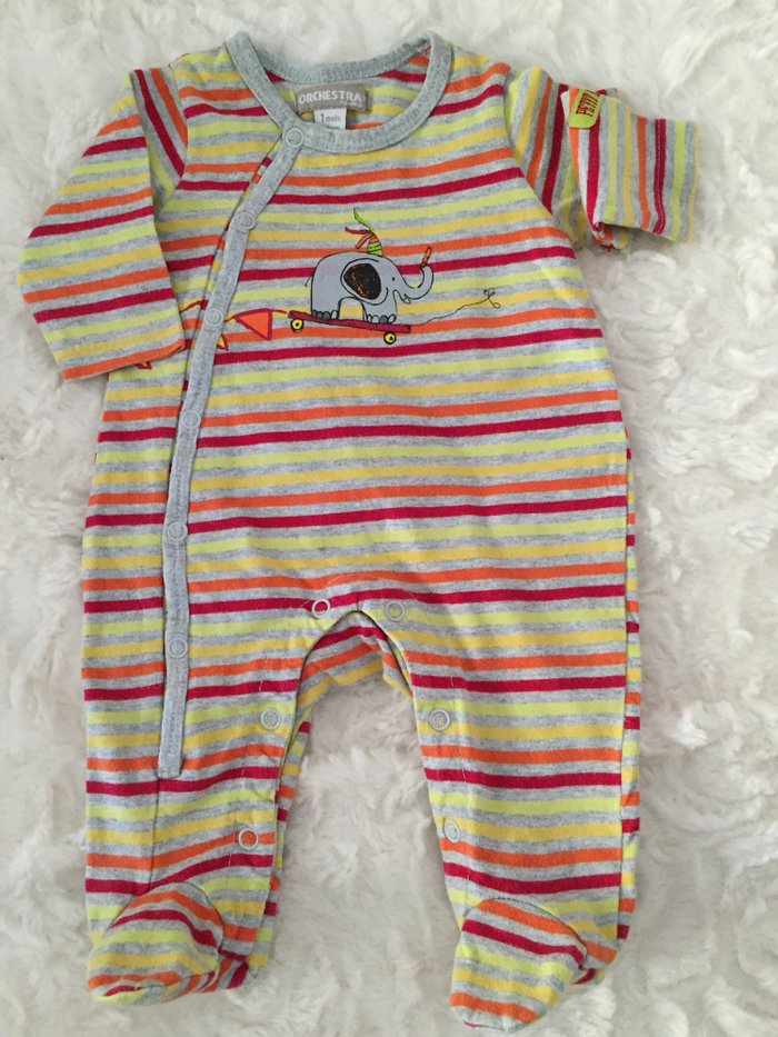 3 babygrows. 0-3 months. Very good condition. . Photo 1
