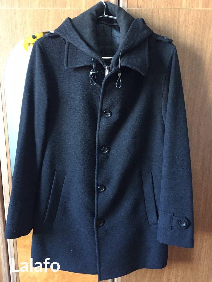 Xırdalan şəhərində Kişi üçün palto. Qara rəngdədir. Palmonte firmasınındır. Tam kaşmirdi.