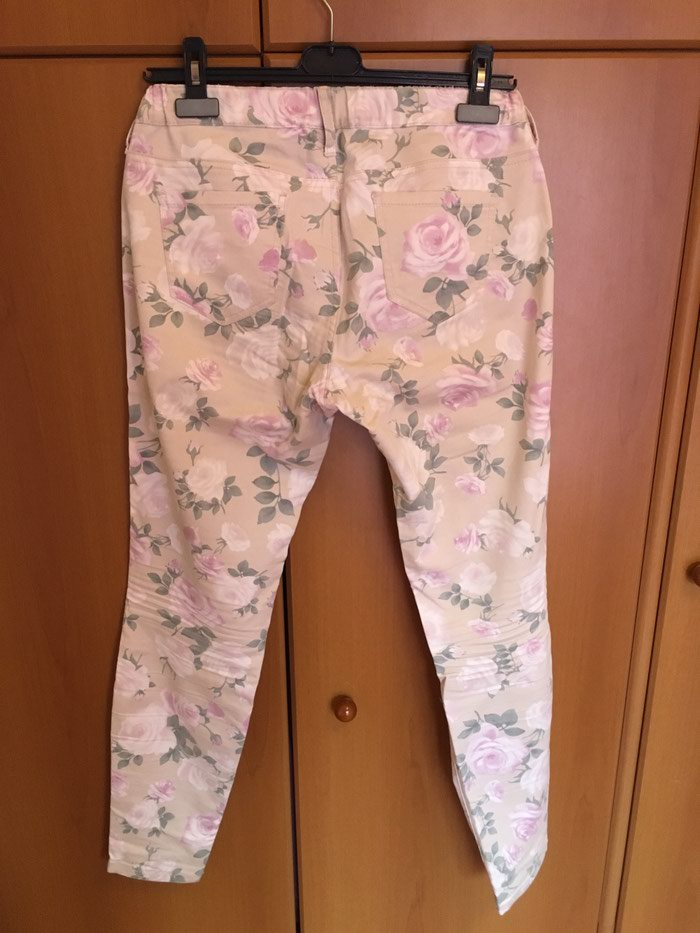 Benetton floral jeggings size 30 in perfect condition. Photo 1