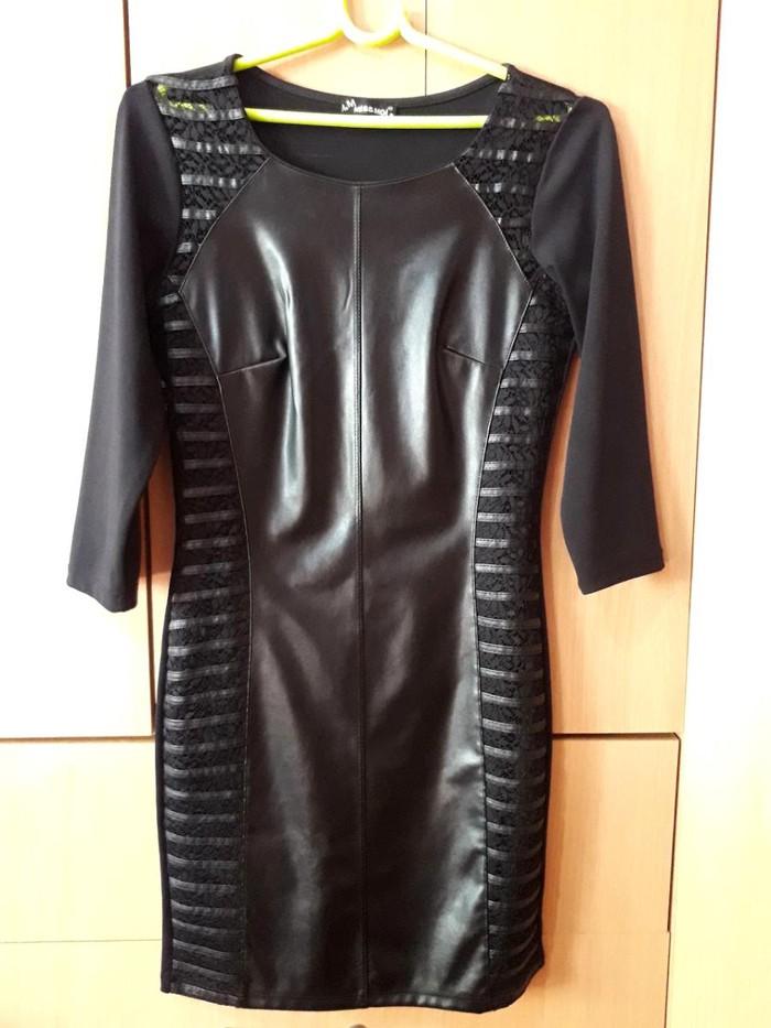 Elegantna crna haljina Cena postarine je 352din