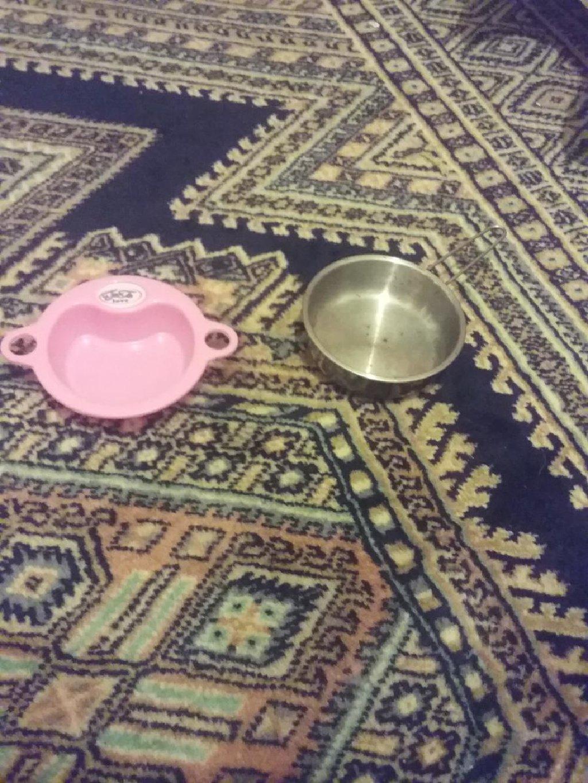 2 αξεσουαρ για τα κουζινικα σας κοριτσακια τιγανι και μπολακι για τη κρεμα απο την κουκλα σας