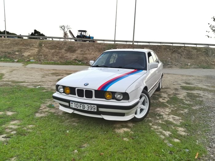 BMW 525 1990. Photo 1