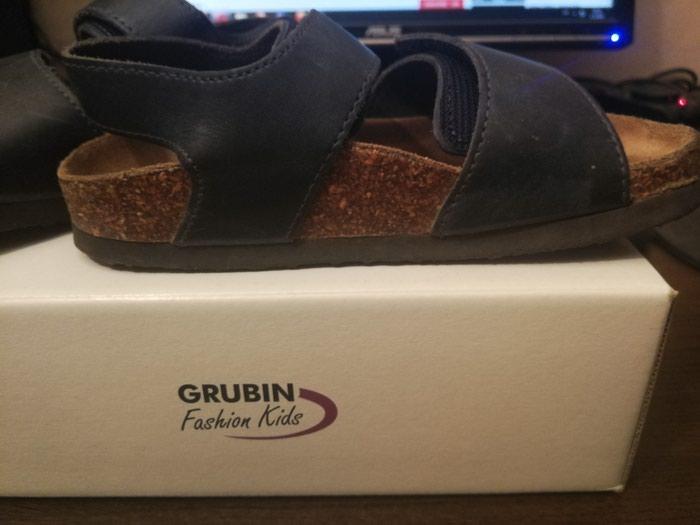 Grubin sandale za decu, obuvano par puta, ali bez nekih vecih for