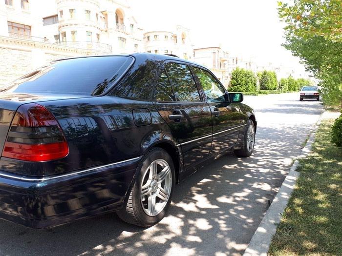 Mercedes-Benz 200 1999. Photo 2