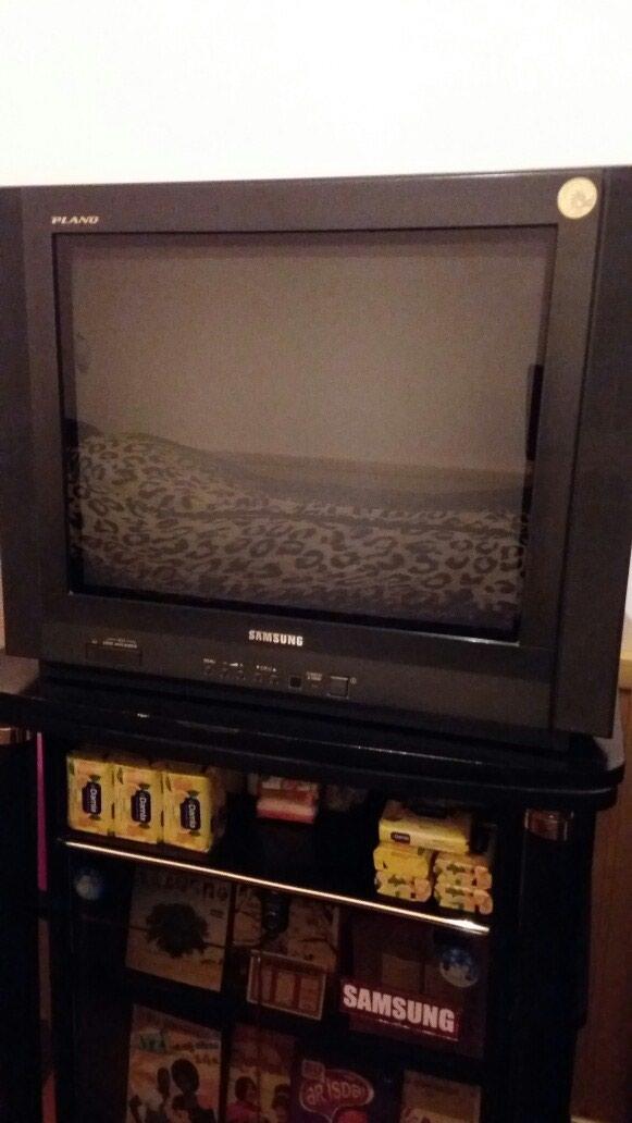 Bakı şəhərində  Satılır  54 ekran  Samsung  televizoru, əla       vəziyyətdədir.
