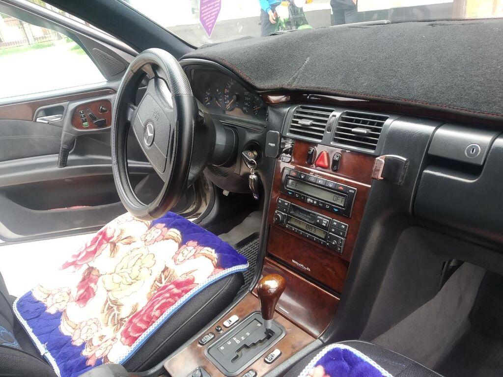 Mercedes-Benz E-Class 3.2 л. 1996 | 232300 км