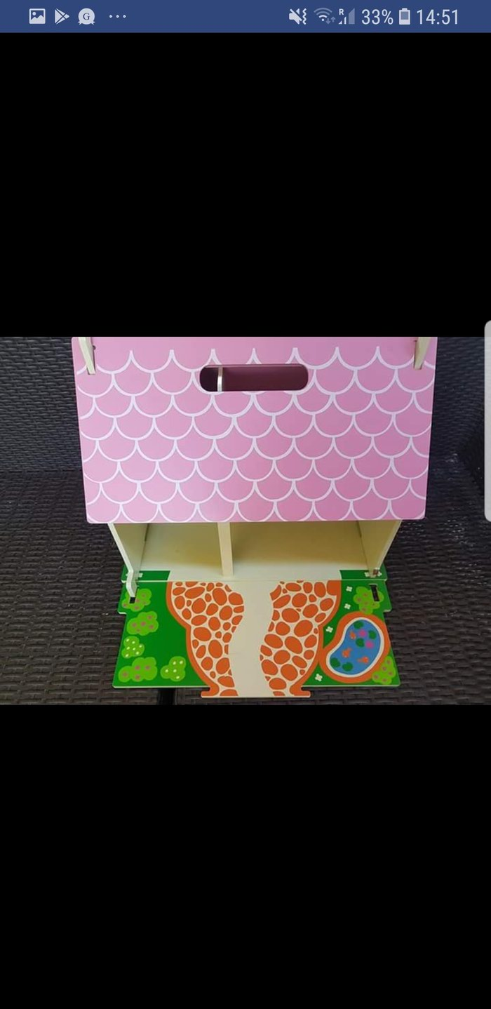 Bigjigs wooden carry along doll house, fully furnished! Very good. Photo 1