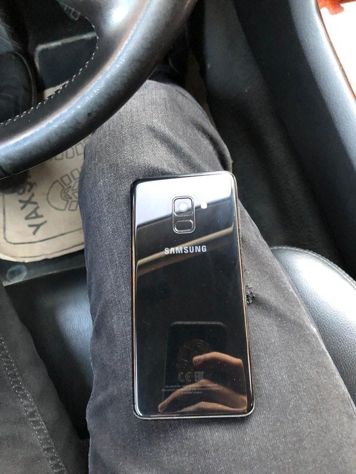 Samsung galaxy a8 2018 yaddaş 32. kutusu,adapdır üsdündü verilir. Photo 1