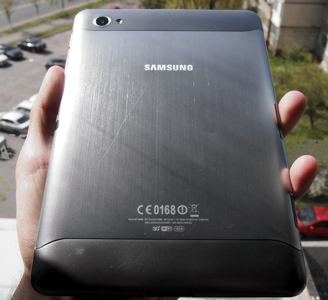 Bakı şəhərində Samsung galaxy tab 7. Sadəcə sensır ekranı dəyişmək lazımdı. Qalan