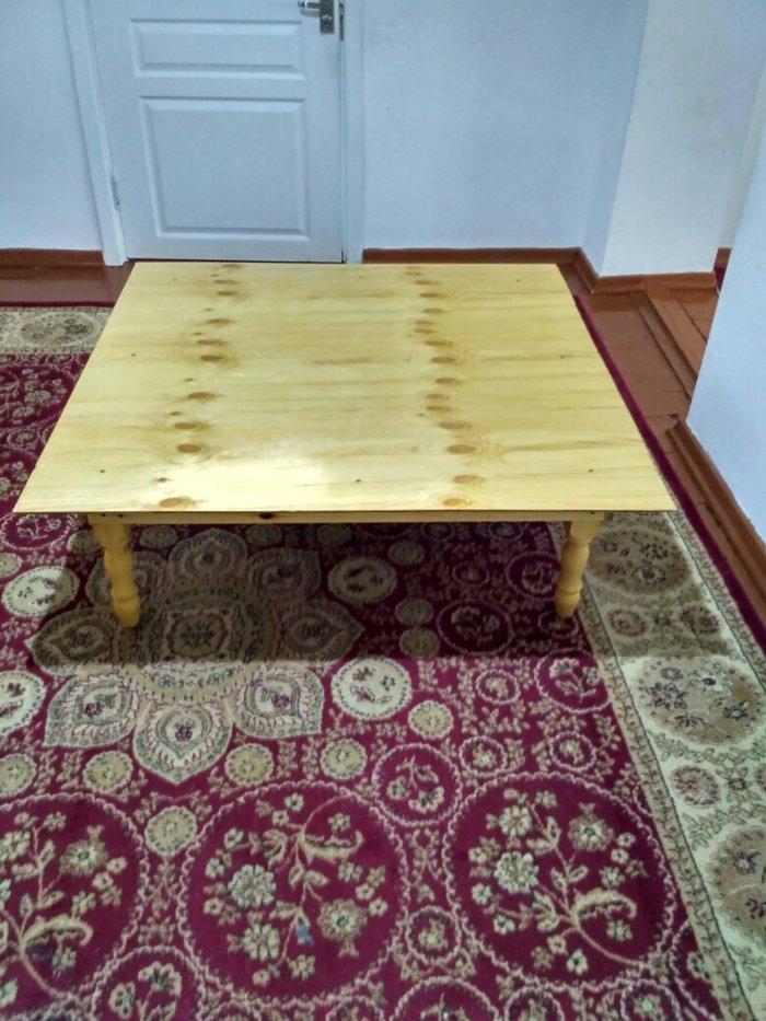 Продаю очень удобный стол для детей чтобы делать уроки или к чаю очень в Бишкек