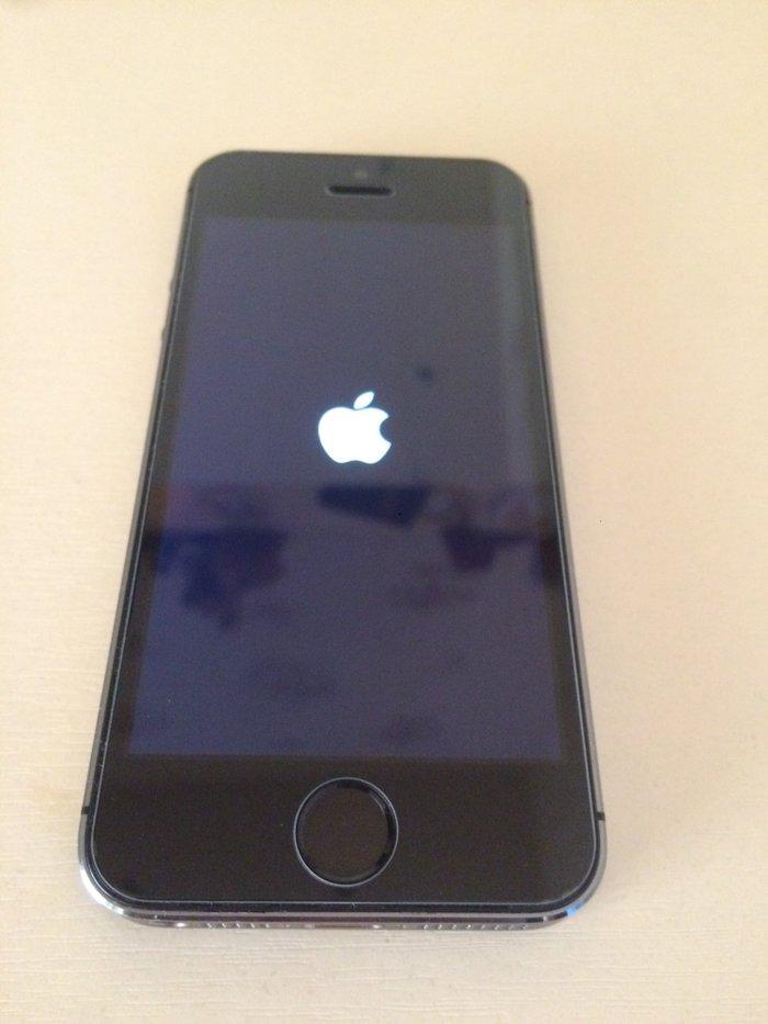 📱продаю iphone 5s 16gb. Обмен не предлагать!!! цвет space gray, 8000 с в Лебединовка