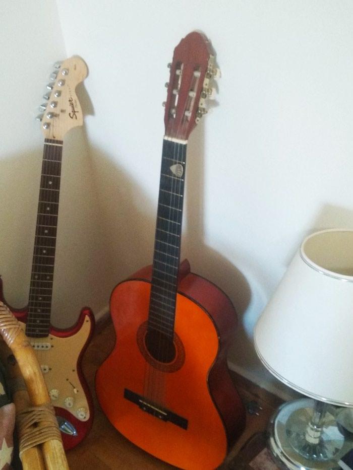 Ακουστικη κιθάρα ελάχιστα χρησιμοποιημένη ιδανική για μαθητές κιθαρας σε Άγιοι Ανάργυροι