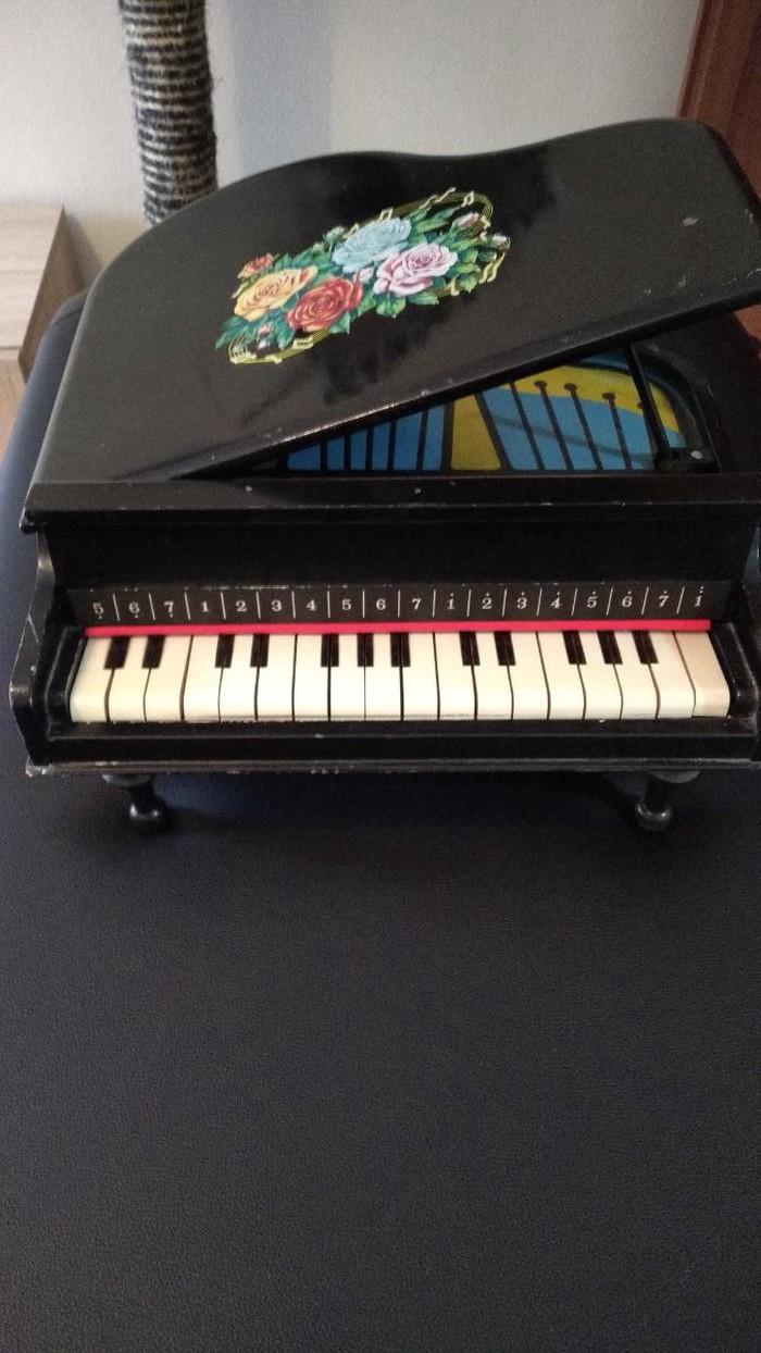 Πιάνο φόρτε μίνι αντίκα. Photo 1