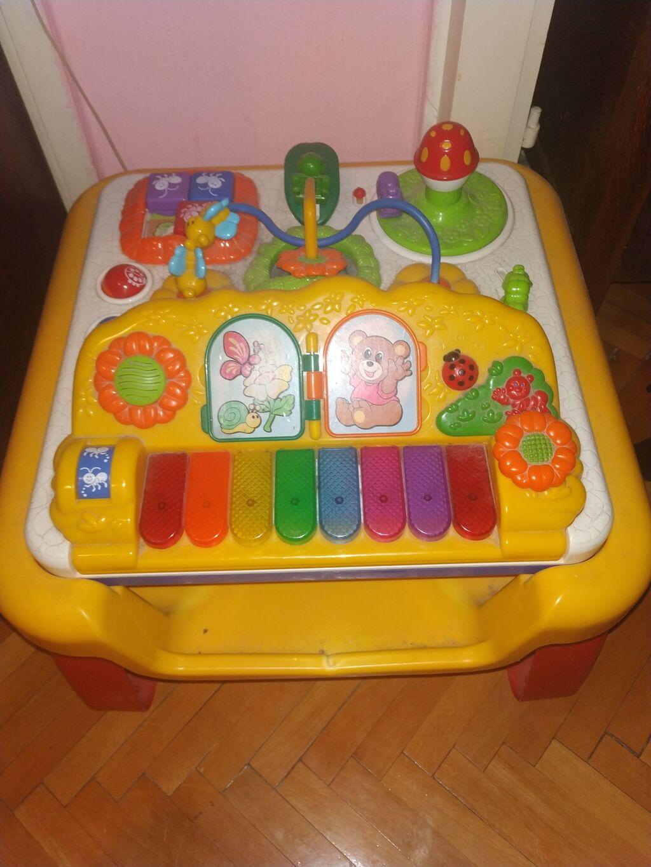 Igračke - Nis: Prodajem Chiko interaktivnu igračku 3 u 1, sto i klavir u potpuno