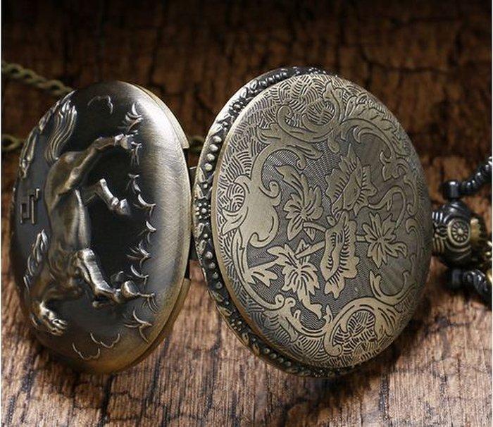 ПРОДАЮ мужские карманные кварцевые часы с изображением коней! Мы ... 118e5e8aed1