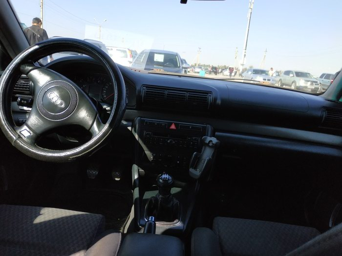 Audi A4 2001. Photo 1