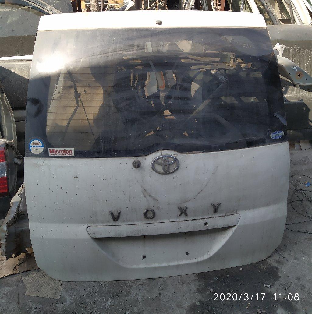 Toyota Voxy крышка багажника, Тойота Вокси Задняя дверь багажника со: Toyota Voxy крышка багажника, Тойота Вокси Задняя дверь багажника со