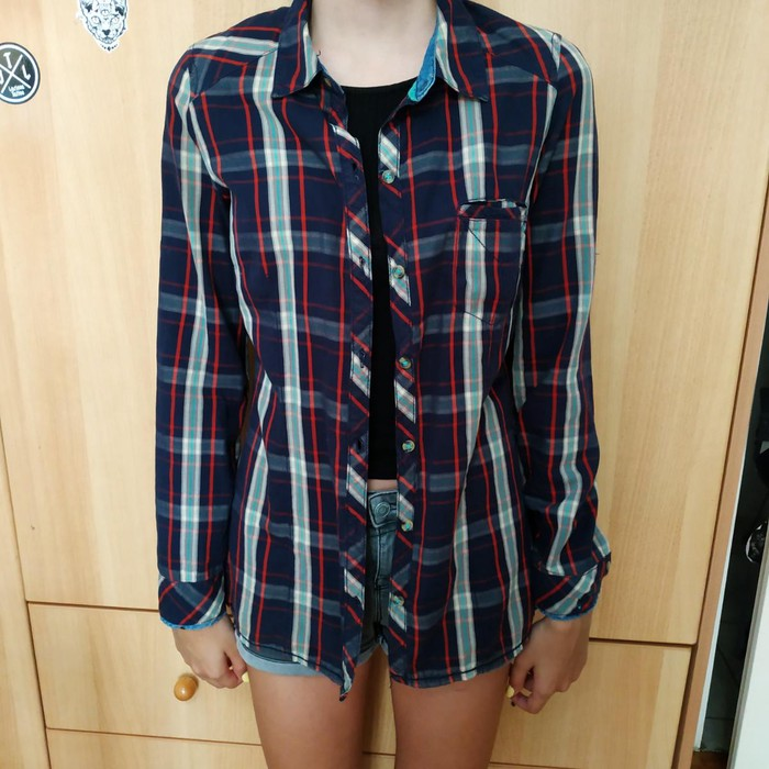 Woman's shirt zara collection size small. Photo 2