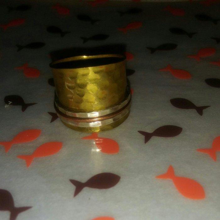 Δαχτυλιδι απο ορειχαλκο. με spinners ασημι. Photo 3