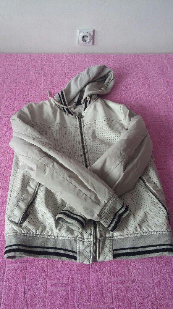 Muska jakna m velicina moderna i lepo stoji ocuvana - Nis