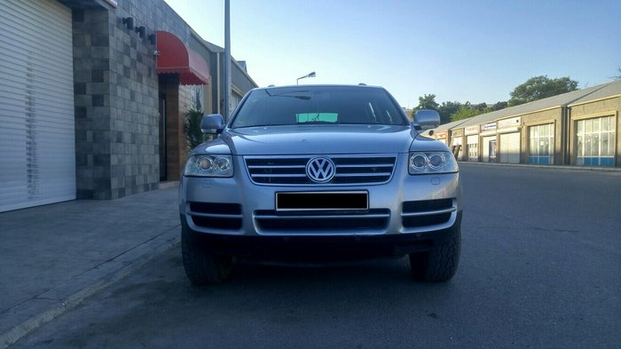 Bakı şəhərində Volkswagen Touareg 2004