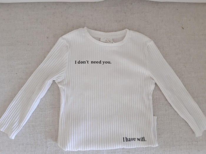 Καινούργια μακρυμάνικη μπλούζα. Photo 1