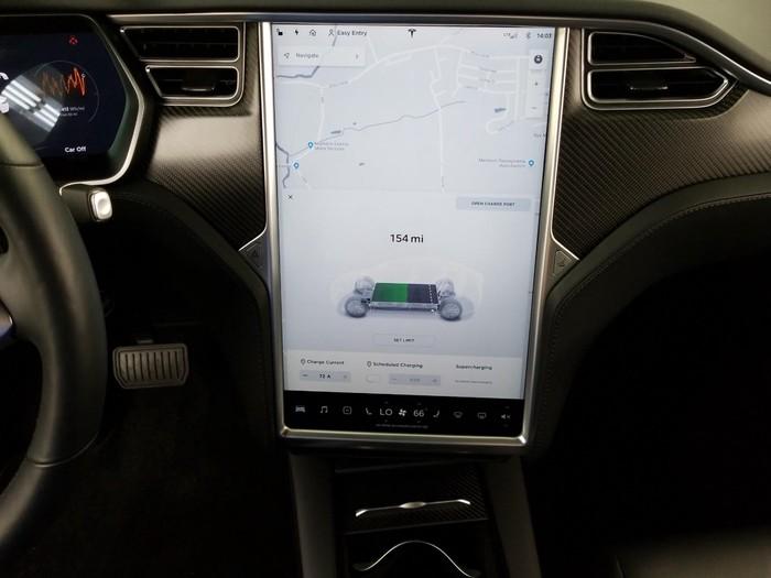 Tesla 2017. Photo 7