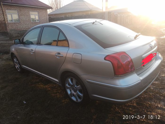 Toyota Avensis 2004. Photo 2